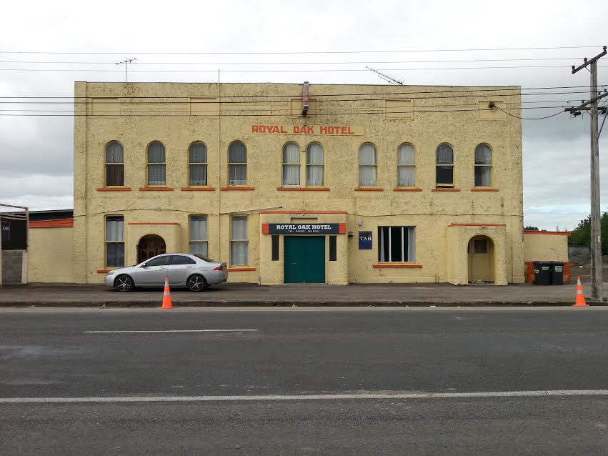 Photograph of a grey day in Featherston, and the frontage of the Royal Oak Hotel